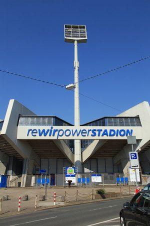 400px-Bochum_-_Castroper_Straße_-_VfL_-_Rewirpowerstadion_01_ies